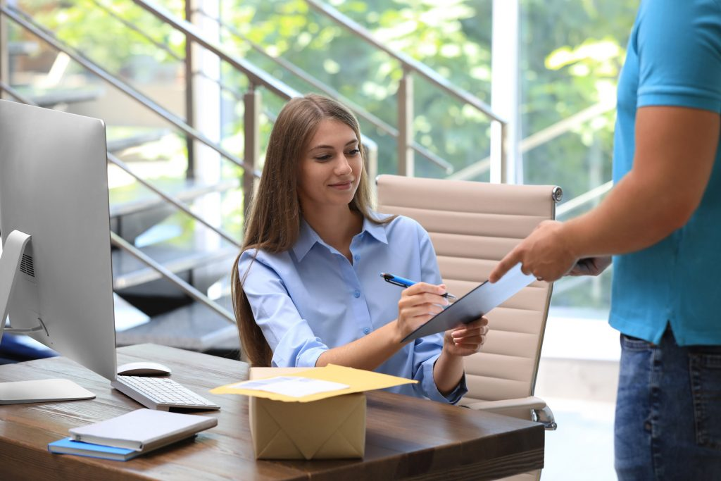 Bringme Office Colleague Woman Signs Parcel without receptionist